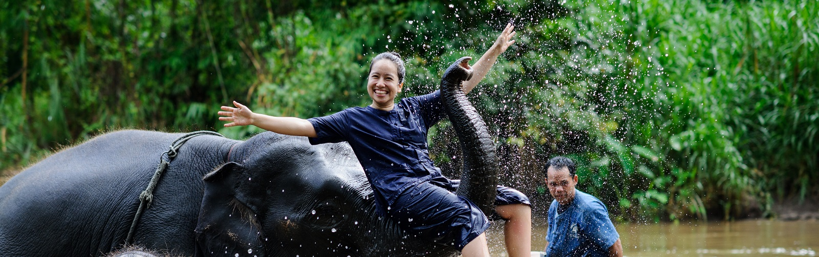 Thailand-Elephant-Camp-Volunteer