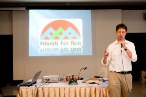 Todd Volunteer in Thailand