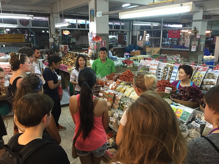 Volunteer Group Market Tour